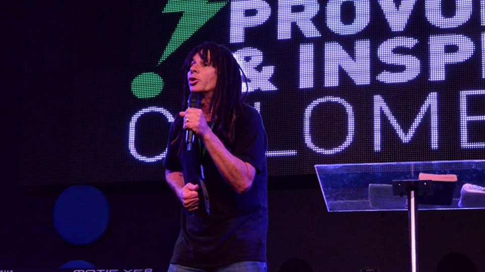 David speaking at Provoke&Inspire Seminar in Colombia